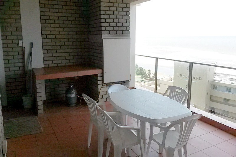 Granada 403 - Self catering Apartment in Margate Patio