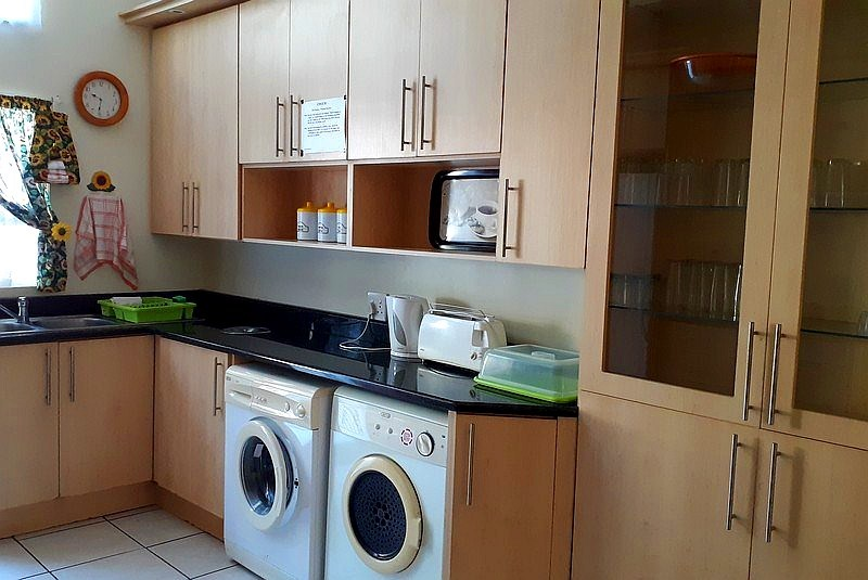 Son & See 6 Self Catering Holiday Accommodation - Kitchen 1