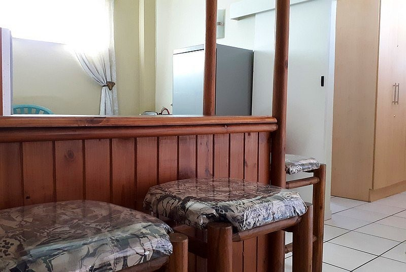 Son & See 6 Self Catering Holiday Accommodation - Bar Area