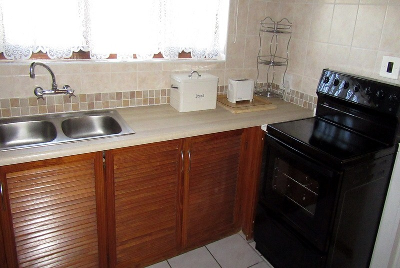 Meridean Villa 1 - Self Catering House in Ramsgate - Kitchen