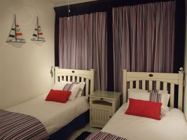 La Crete sands 1 - Self Catering Holiday Accommodation - Bedroom